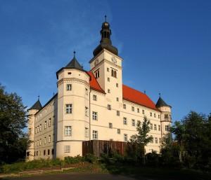 """Slottet Hartheim i Österrike, en av """"eutanasi""""-centralerna. Idag minnesmärke, museum och dokumentationscentrum. Foto: Dralon, Wikimedia Commons"""