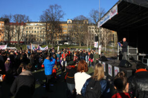 Willy Silberstein talar i Vasaparken. Foto: Erik Gunnarsson