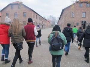 Under besöket i det fd koncentrations- och förintelselägret Auschwitz-Birkenau. Foto: Sandra Downar