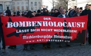 Tyska nazister framställer bombningen av Dresden som den verkliga Förintelsen. Foto: Amadeu Antonio Stiftung